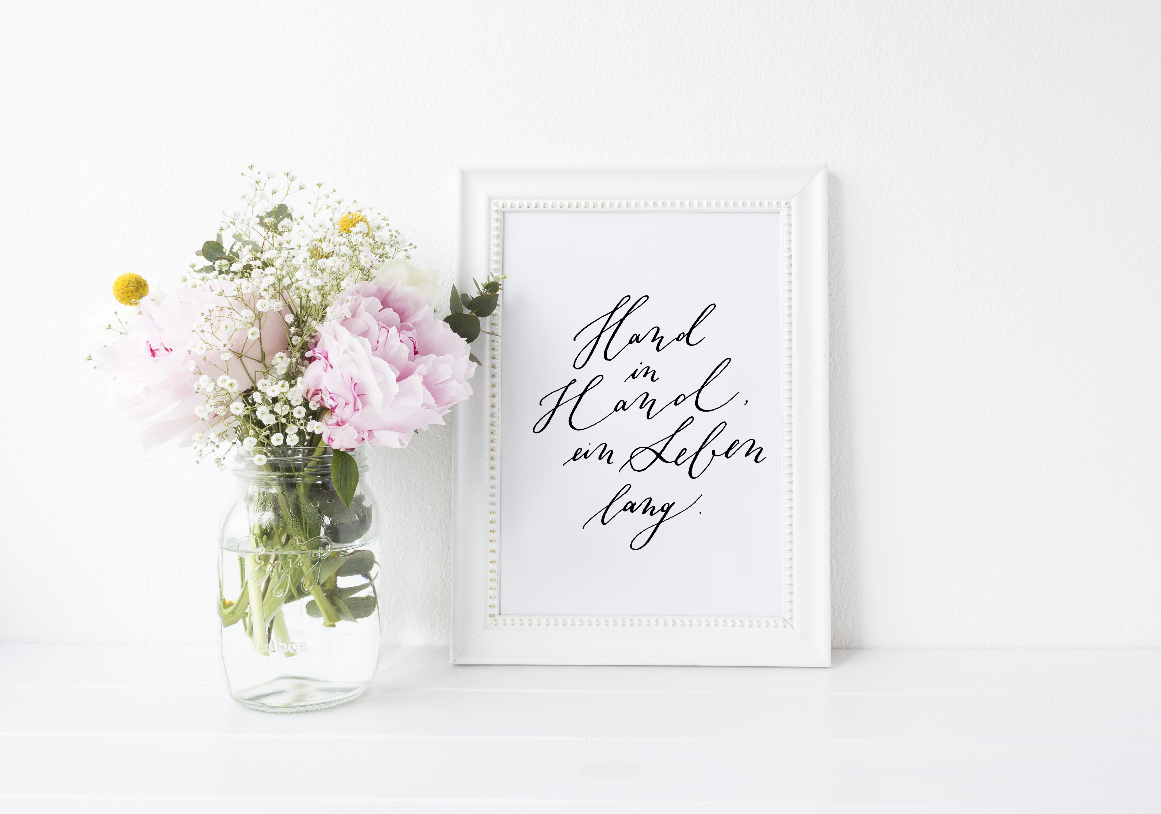 poster hochzeit und geschenk zur hochzeit hand in hand ein leben lang the little wedding. Black Bedroom Furniture Sets. Home Design Ideas